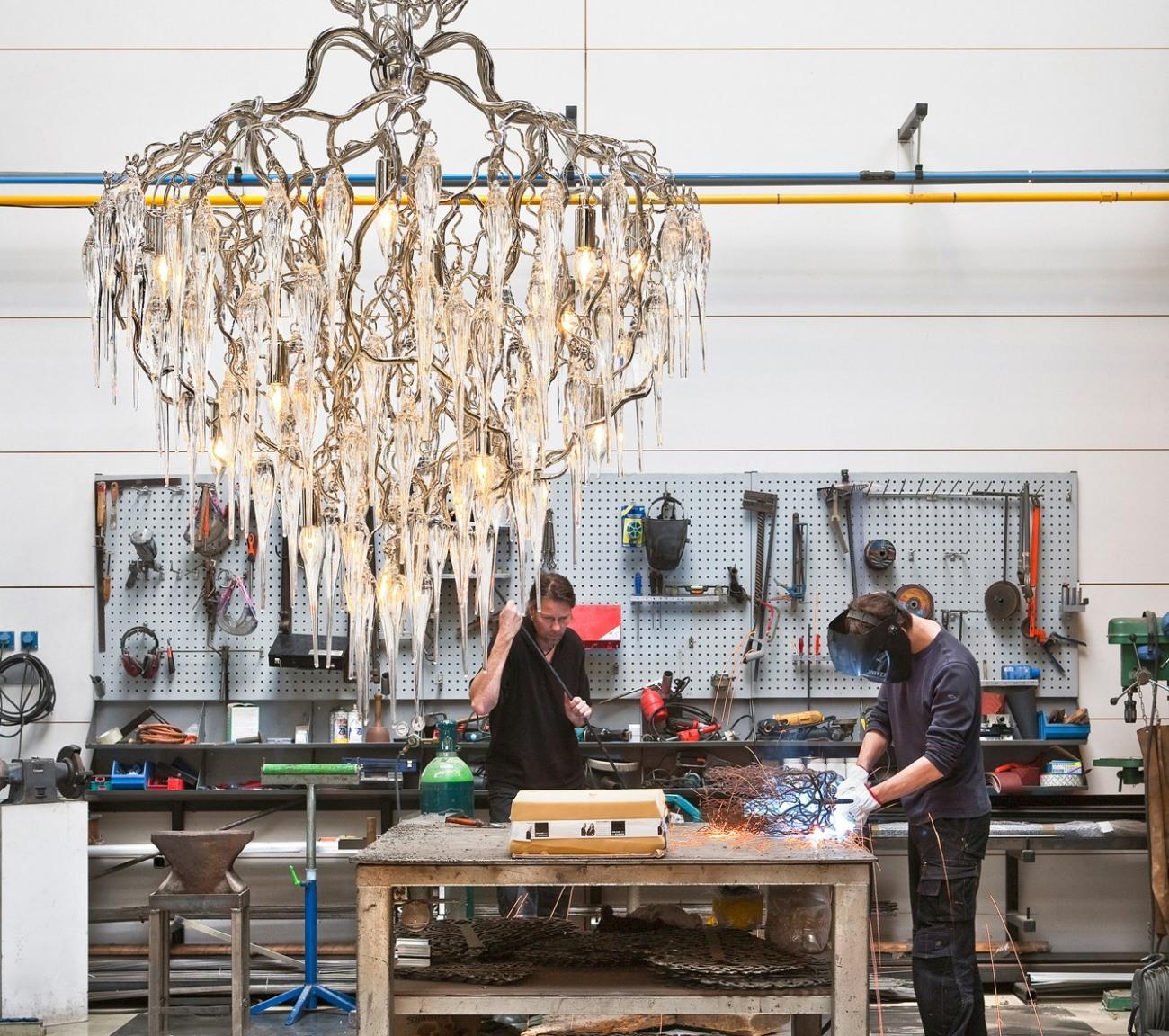 Brand Van Egmond lampor och takkronor från Geco Stockholm